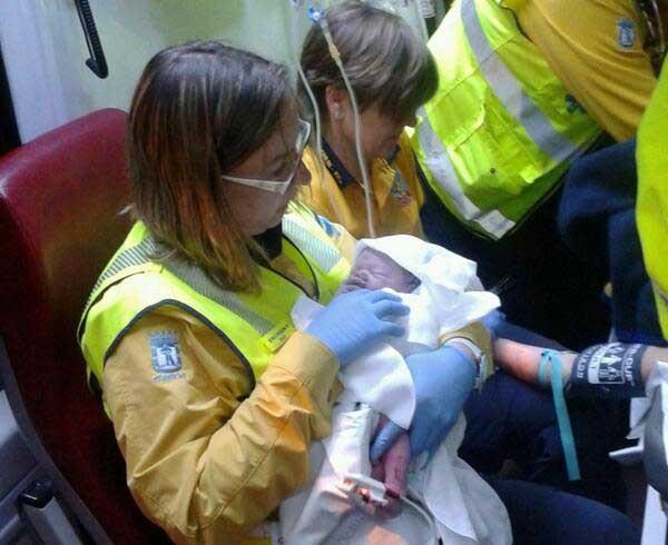 Ímagen del recién nacido captada por Ëmergencias Madrid