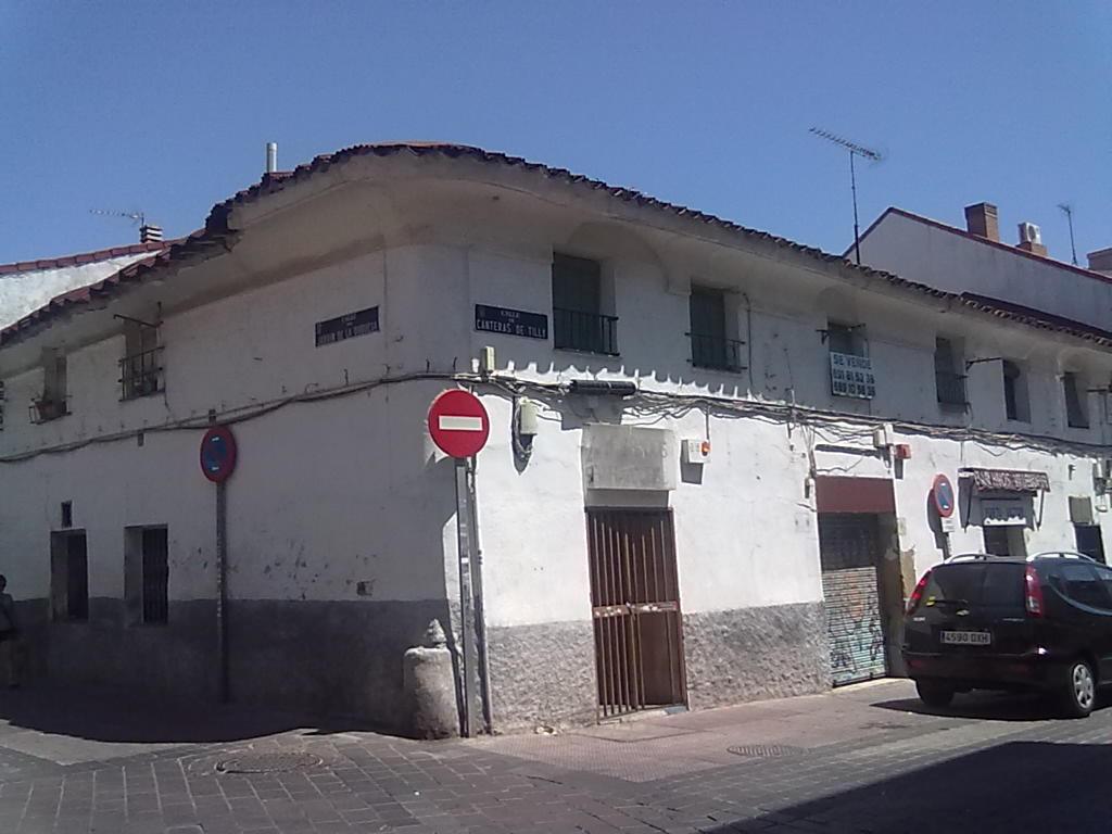2011 Calle Canteras de Tilly esquina con Jardín de la Duquesa (Imagen: todoVicálvaro.es)