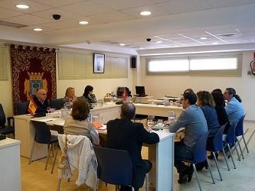 Carmen Torralba se reúne con los directores de los colegios públicos.