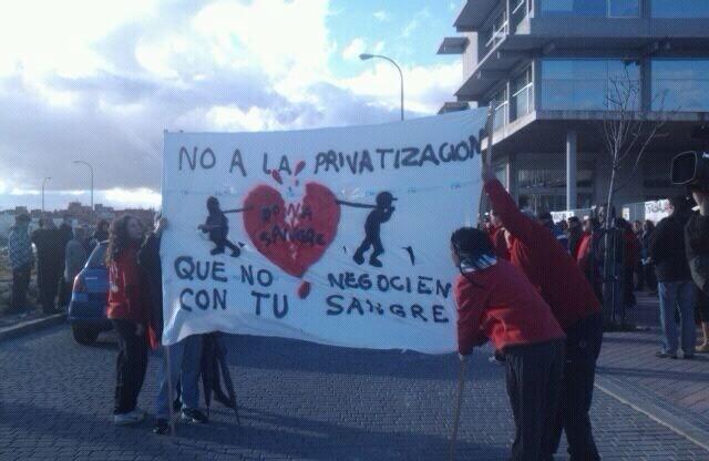 Protestas en el Centro de Transfusión de Vicálvaro.