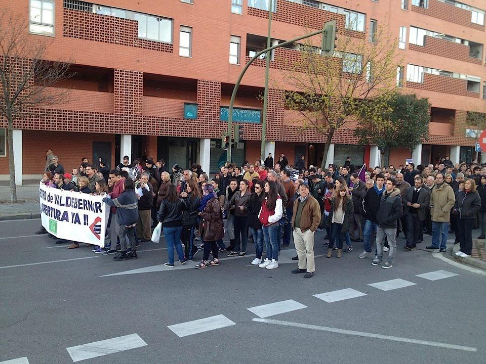 Manifestación por la reapertura de la boca de metro de Valdebernardo.