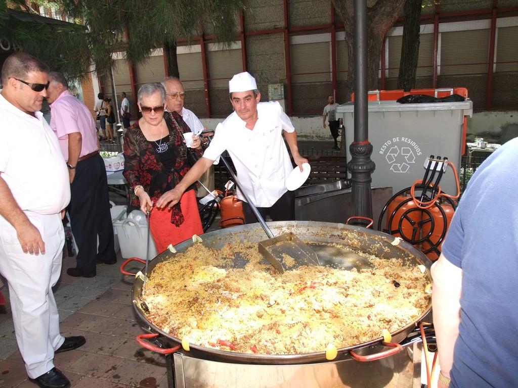 Paella en la plaza. Fotografía cedida por Valentín González. Asociación Vicus Albus