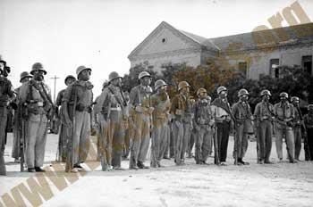 Militares republicanos en el cuartel de artillería de Vicálvaro