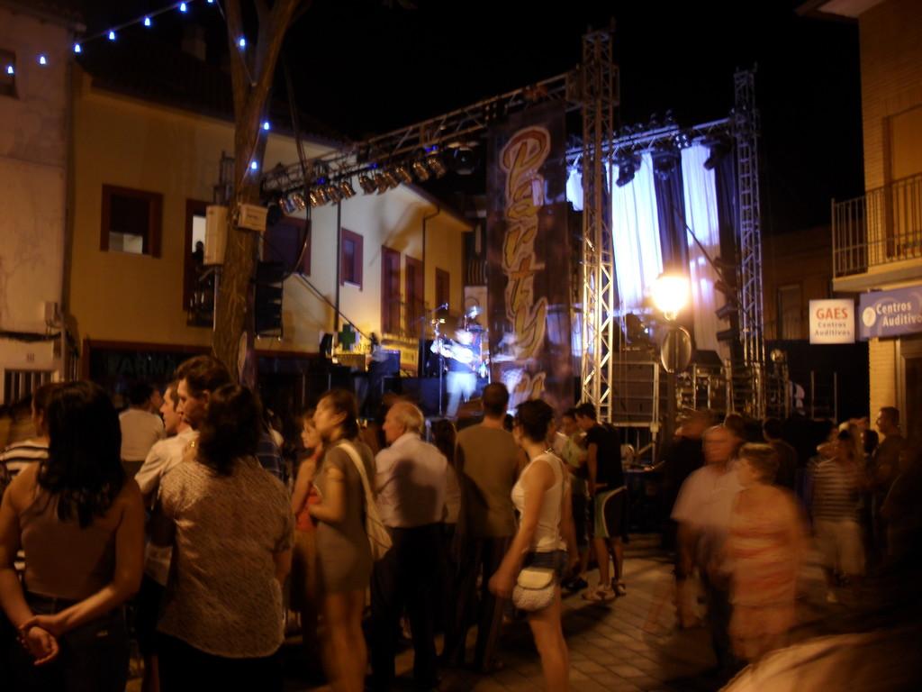 Música en la plaza. Imagen: todoVicálvaro.es