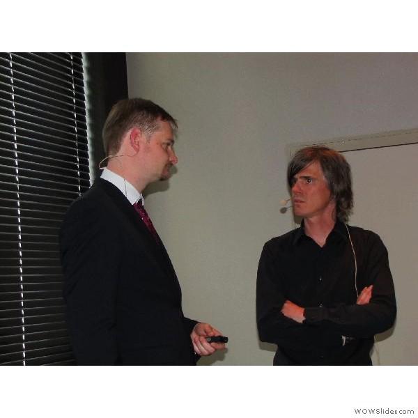 Ztm. Christian Hannker im Gespräch mit Ralph Riquier in der Pause kurz vor seinem Vortrag