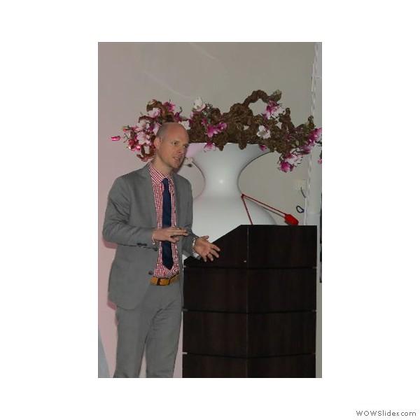"""Der Implantologe Dr. C. Köttgen mit seinem Vortrag - """"Planungsfehler bei Implantatversorgungen und deren Vermeidung"""""""
