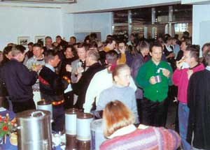 Abb.1 in den Pausen genossen die Teilnehmer die lockere Atmosphäre in der Bonner Brotfabrik