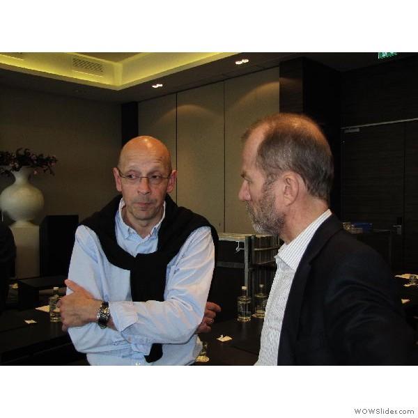 Thomas Hahne im Gespräch mit Zahnarzt Dr. Mellinghoff.