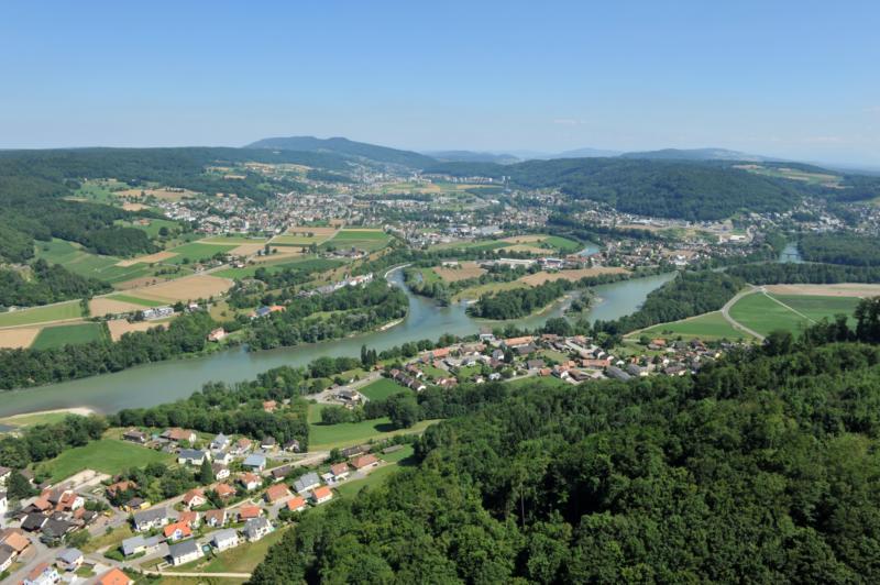 2014 - links Rein, rechts Lauffohr (Quelle: luftbilder-der-schweiz.ch)