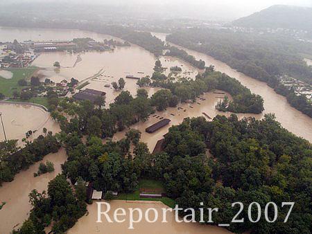 2007 - Hochwasser Lauffohr Zeughaus (Quelle: luftbilder-der-schweiz.ch)
