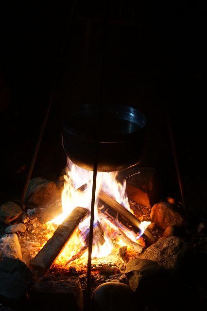 Glühmost über dem Feuer - Samichlaus 6. Dezember 2016 (Quelle: Privatfoto)