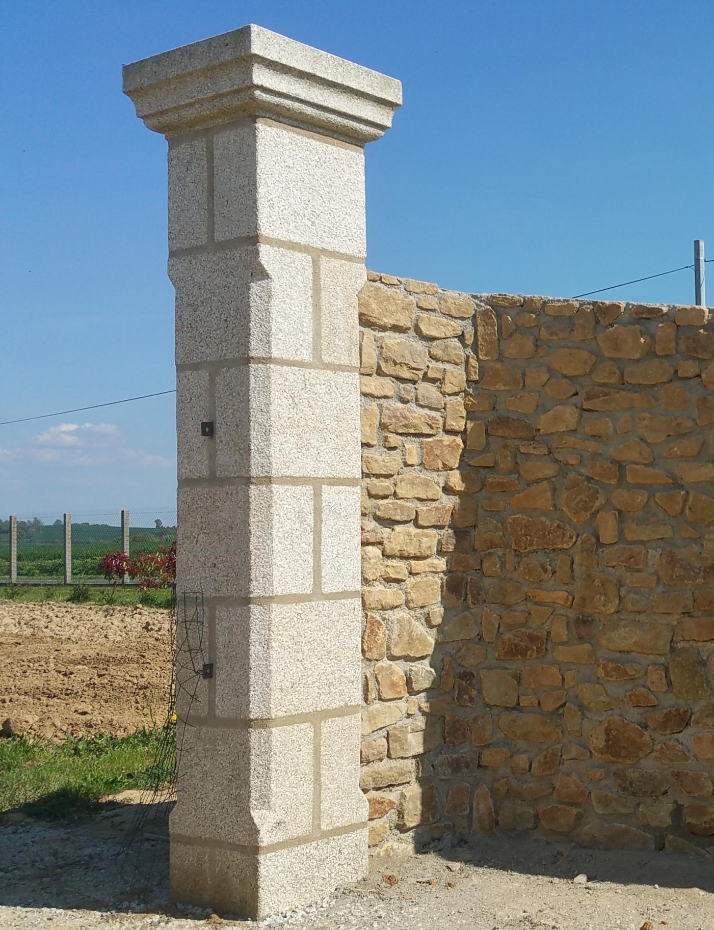 pilier granit beige