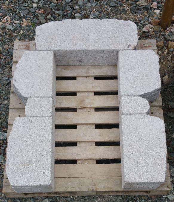 ouverture granit gris bouchardé