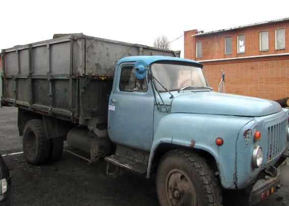 Та сама вантажівка. Фото ГУ НП в Полтавській області