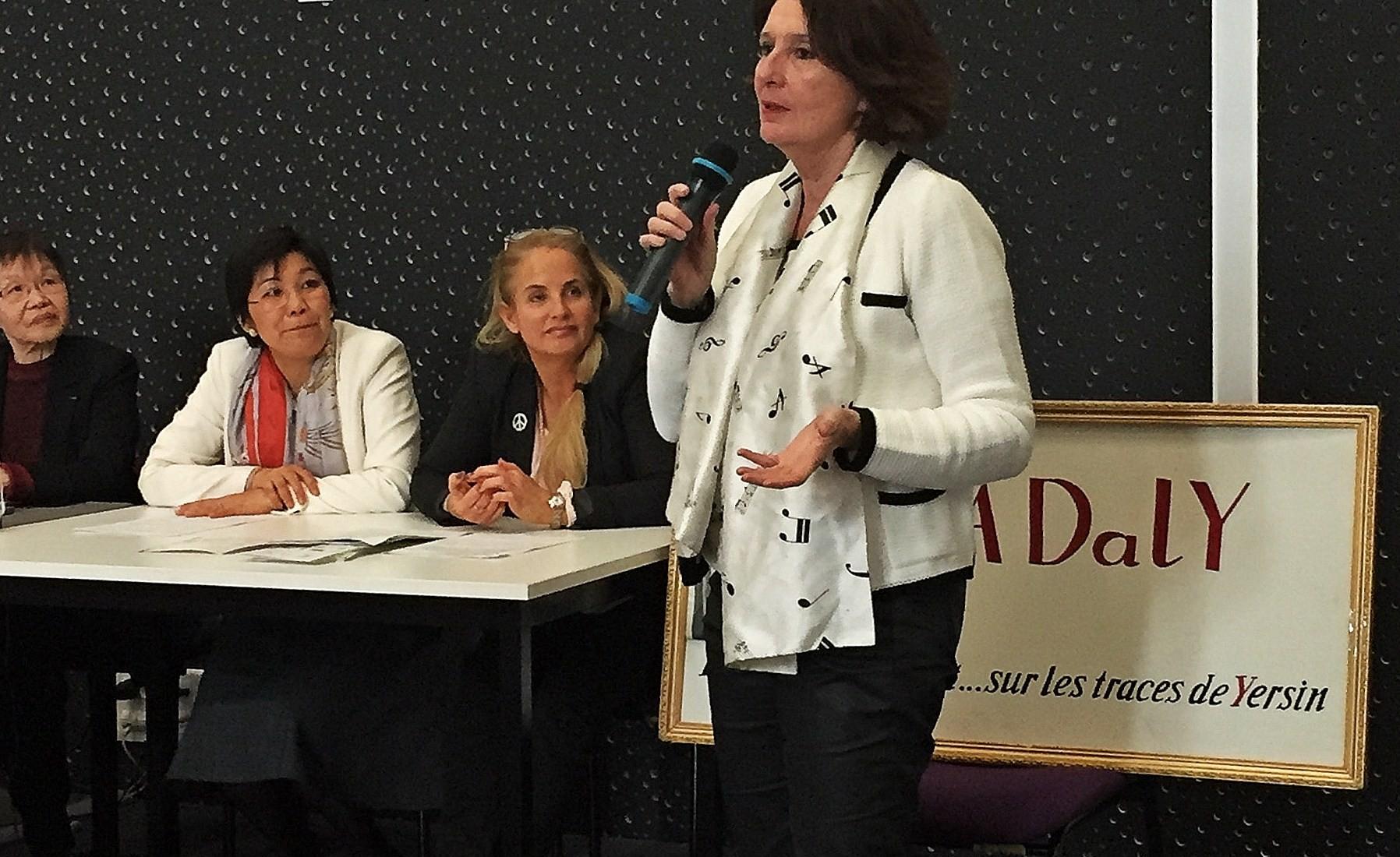 Mme la députée Anne Yvonne Le Dain