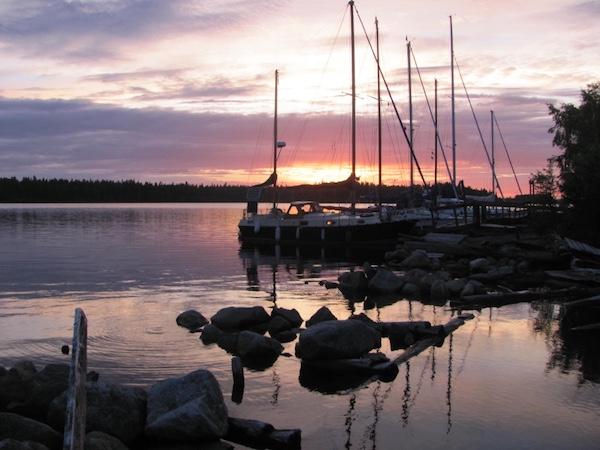 Norrbyskär Gaststeg mit Sonnenuntergang