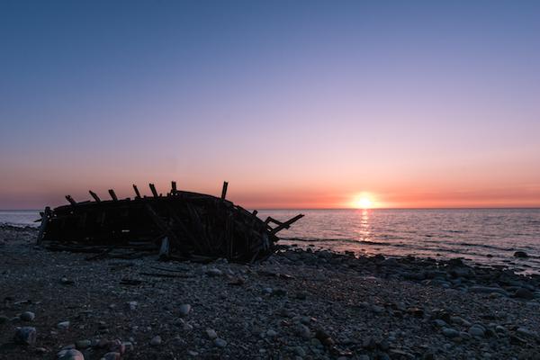 Schiffswrack an der Küste des Trollskogen (Öland, Schweden)