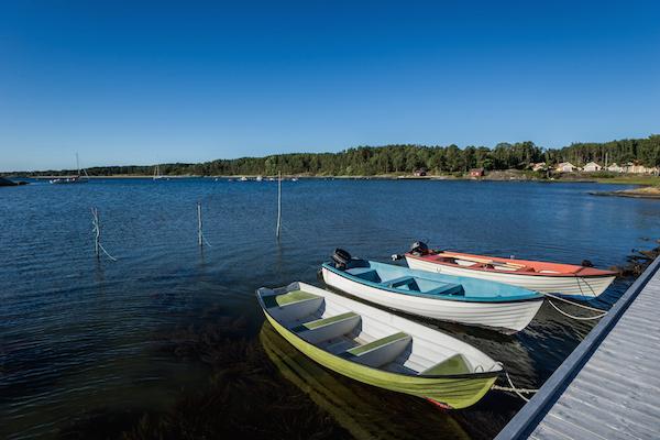Bunte Ruderboote, Strömstad, Schweden