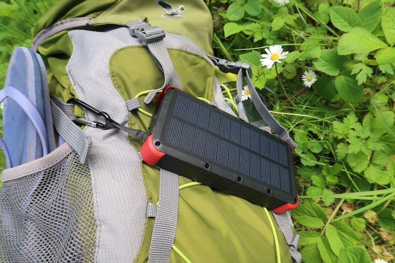 OUTXE Solar Power Bank im Test