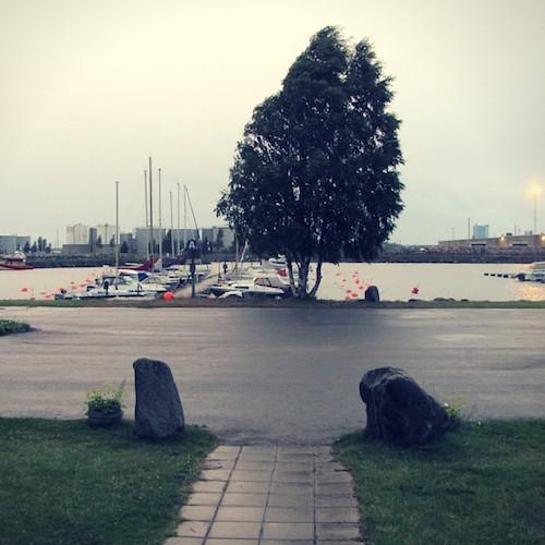 Hafenwacht für eine Nacht. Im Patholmsvikens Båtklubb.