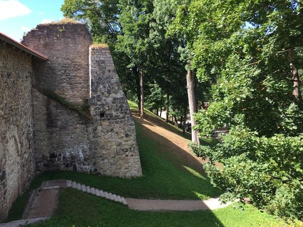 Festungsanlage der Burg in Cesis in Lettland