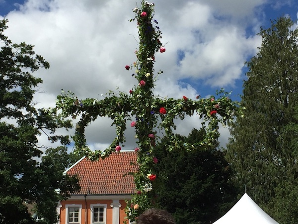 Geschmückte Midsommarstång/Majstång, Lund, Schweden