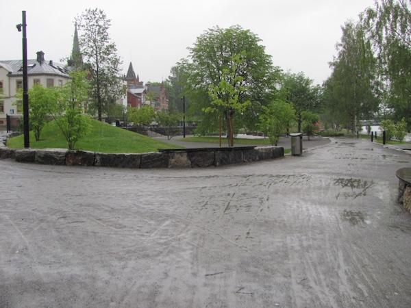 Verregnete Strandgatan in Umeå