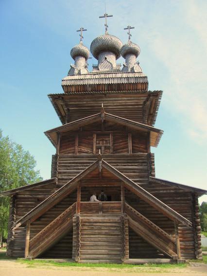 Kubusförmige Himmelfahrtskirche von 1669 im Malye Karely bei Arkangelsk