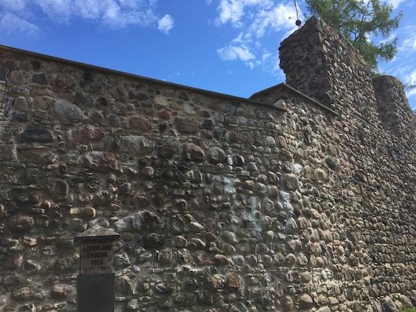 Burgmauer, Valmiera