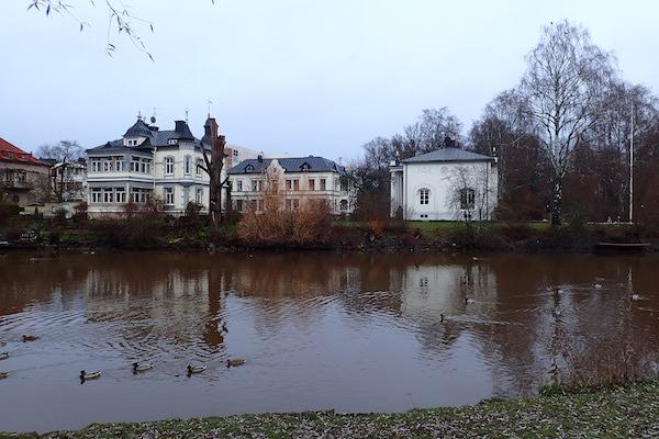 Enten und der Fluss Svartån in Örebro