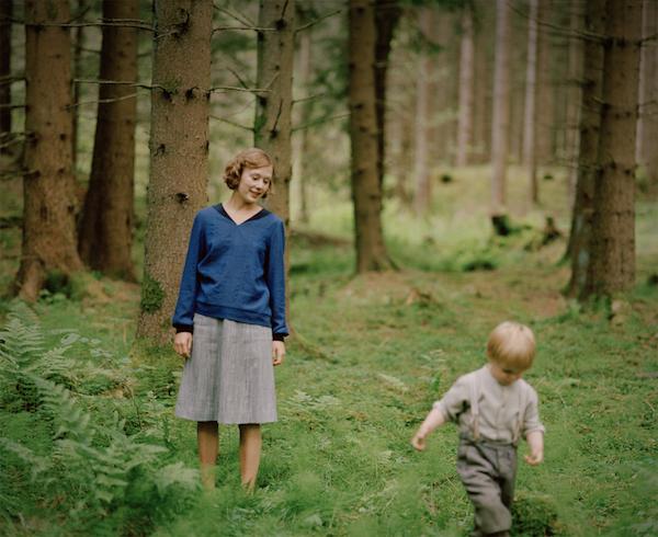 Astrid und Lasse im småländischen Wald | DCM Film Distribution