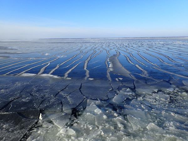 Gebrochenes Eis auf der Ostsee