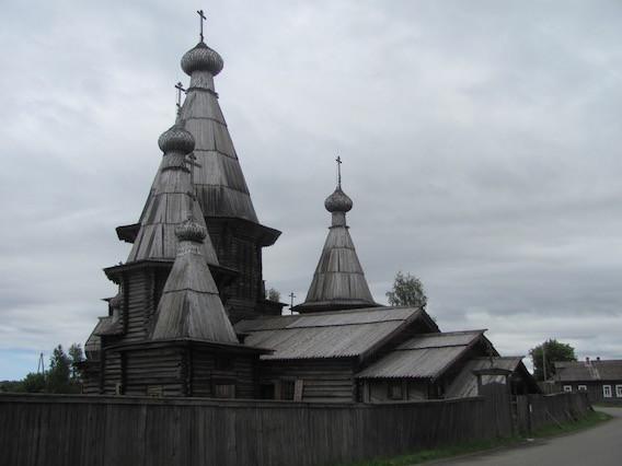 Die Holzkirche in Kem