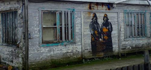 Streetart am Fischereihafen in Vardø, Norwegen