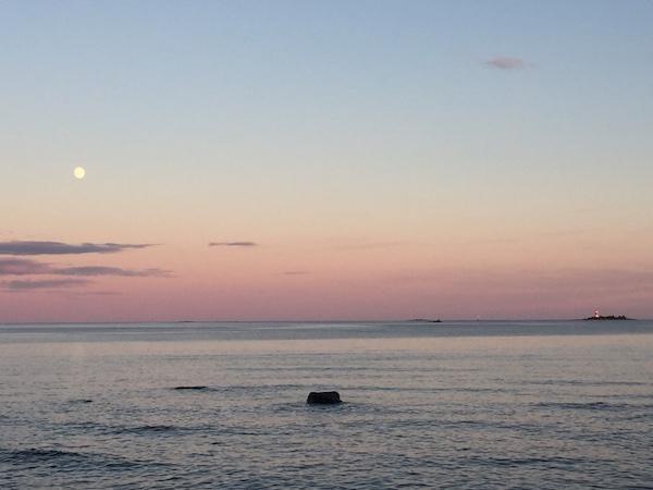 Helle Nächte in Schweden: Mitternachtssonne und Vollmond