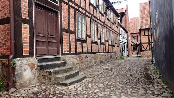 Gasse und Fachwerkhäuser im Freilichtmuseum Kulturen in Lund