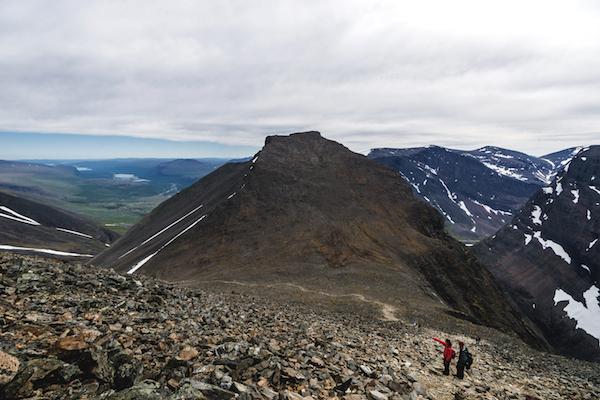 Wanderung auf den Kebnekaise, Ausblick ins Kittelbäcken-Tal