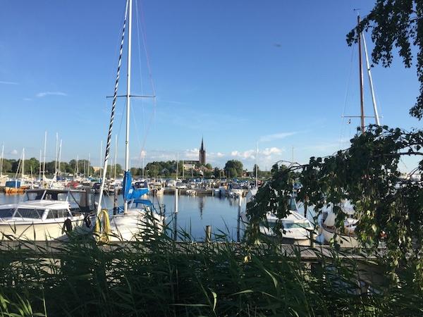 Segelboote im Hafen von Mariestad am Vänern See
