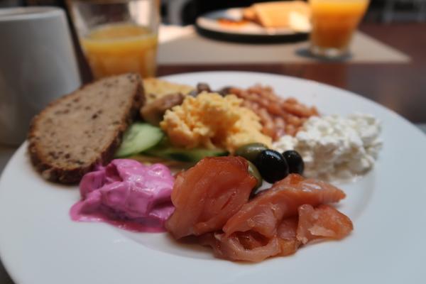 Frühstück im Hotel Restaurant Elements im Tallink Hotel in Riga