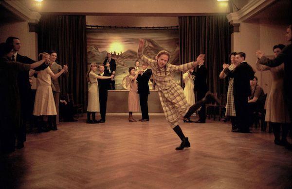 "Tanzszene aus dem Film ""Astrid"" | DCM Film Distribution"