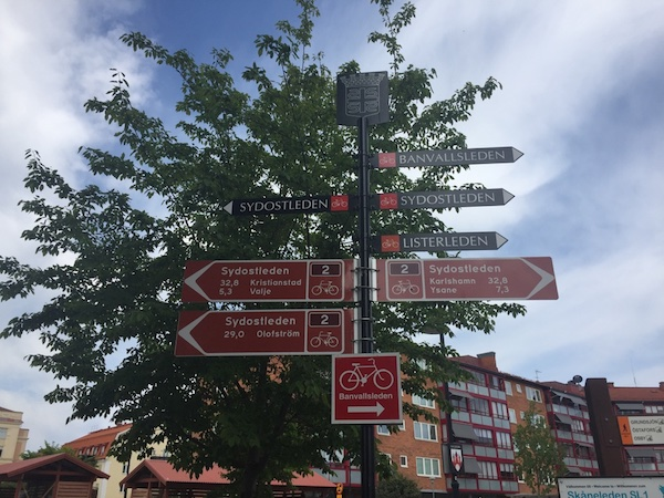 Schild der Wanderwege durch Sölvesborg