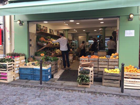 Produces and cheese at Terroir d'Avenir rue du Nil 75002 Paris