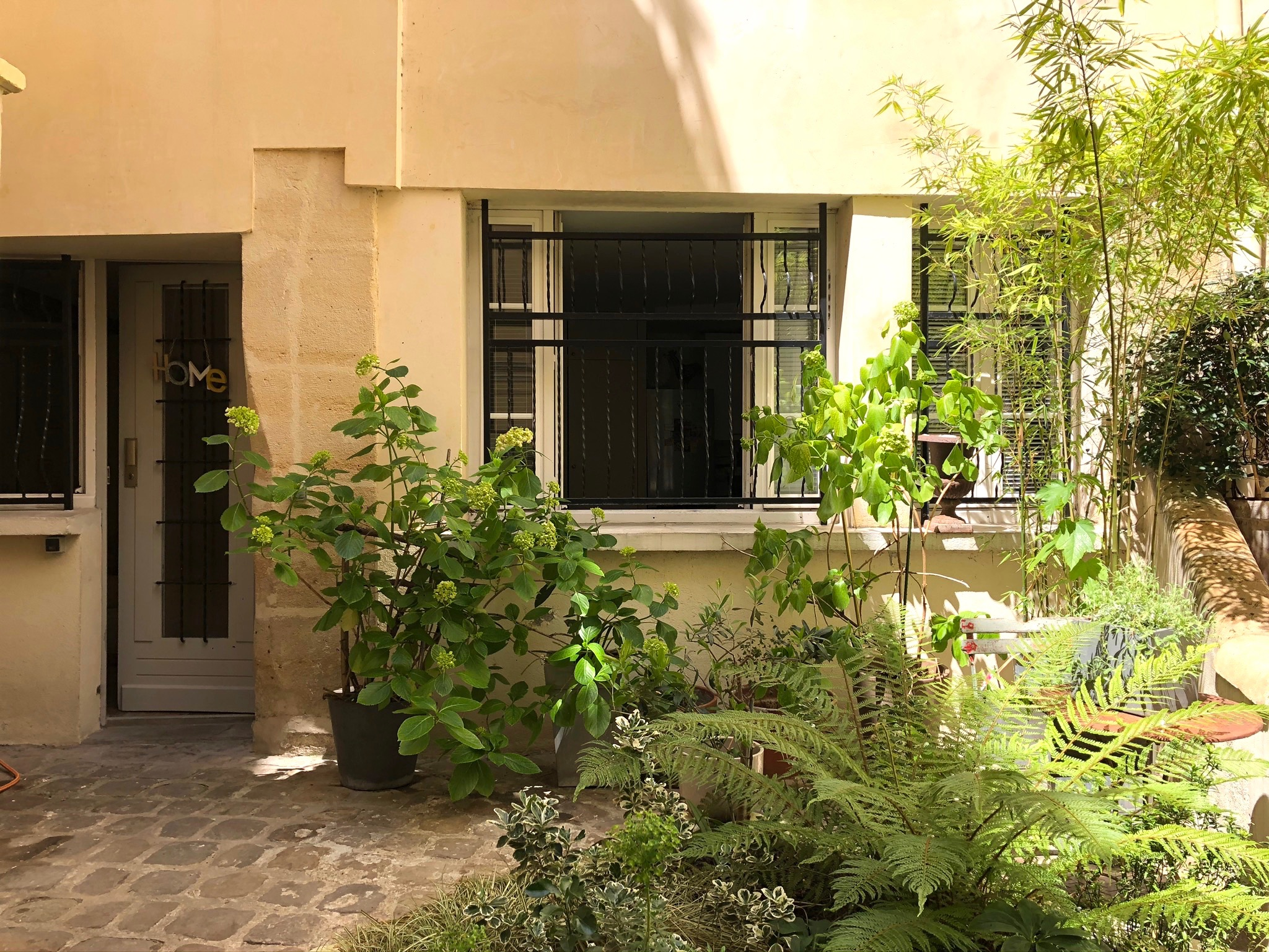 Charming courtyard on rue d'Argout, 75002 Paris