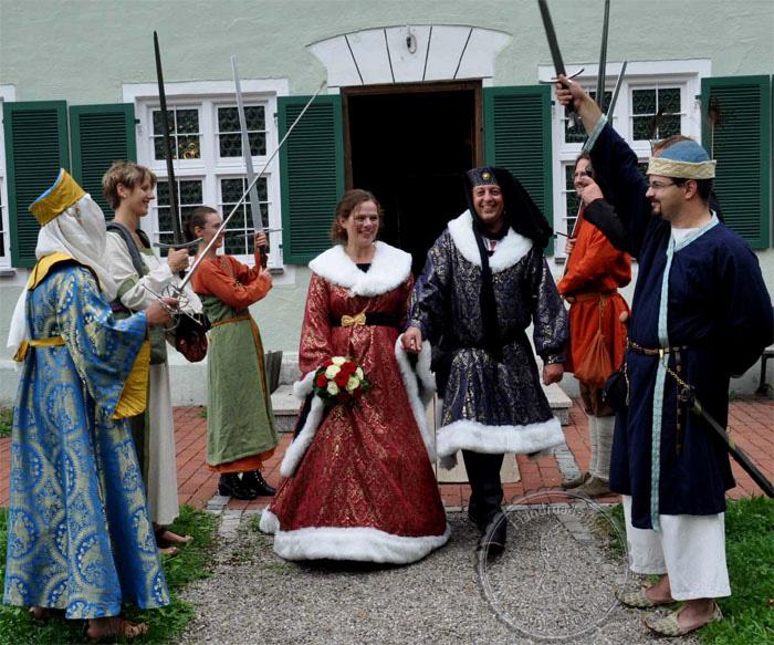 Burgundische Hochzeit, Hochzeitsgewandungen, Barutkleid, Hoppelande