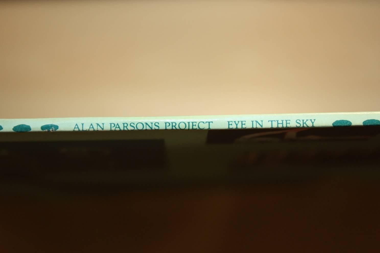 Rücken: Titel des Albums
