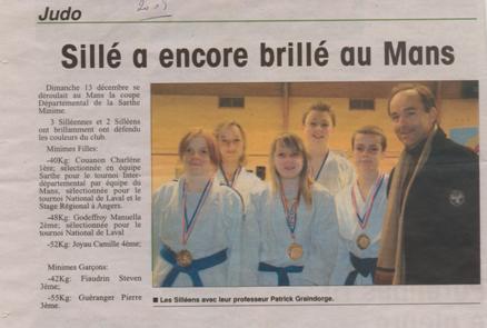 2009 – Coupe départementale de la Sarthe. Les jeunes judokas et leur professeur Patrick Graindorge
