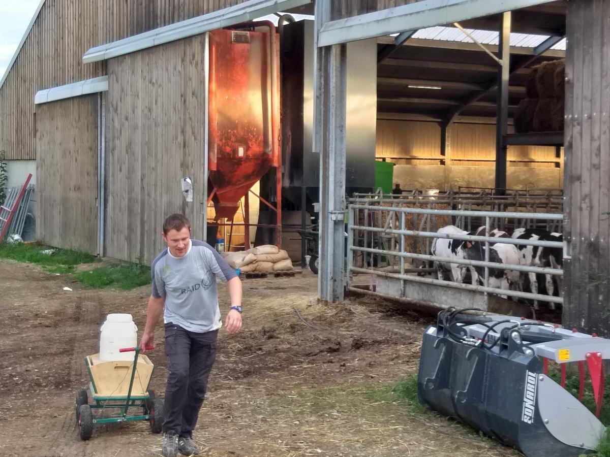 Vert Eden - Transformation du lait de vache bio de la ferme voisine en fromages et yaourts