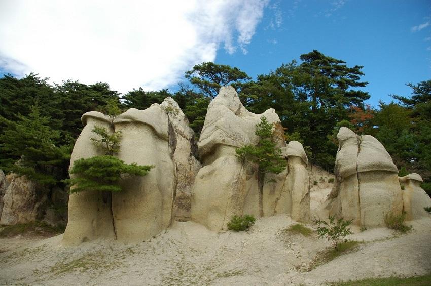 浄土松公園のきのこ岩