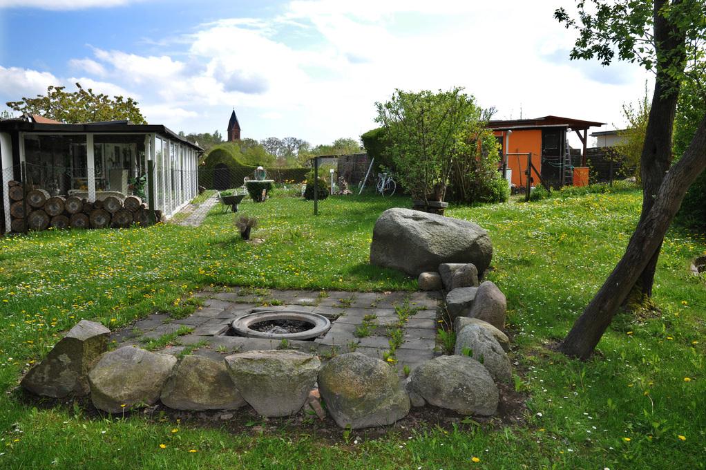 Der Gründungsstein der ehemaligen Offizierswohnbautensiedlung