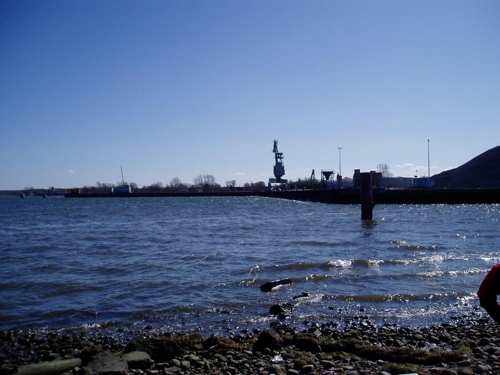 Blick auf den Hafenkran